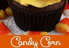 Candy Corn Swirl Cupcakes - these delicious Halloween Cupcakes looks like Candy ...