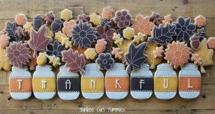 One of my favorite #thanksgiving cookie sets! #thankful #cookies #fall