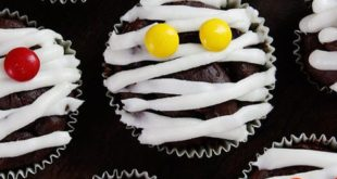 Serve These Spooktacular Halloween Cupcakes at This Year's Party